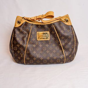 Louis Vuitton Galliera GM Shoulder Bag